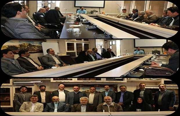 جلسه معارفه اعضای کمیسیون تخصصی برق با حضور جمعی از اعضاء هیئت مدیره سازمان