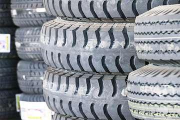 بیش از ۴۴ هزار حلقه لاستیک خودروی سنگین در سیستان و بلوچستان  توزیع شد