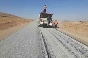 پایان عملیات اجرایی سیلکت ۸ کیلومتر از راه های شهرستان لنجان