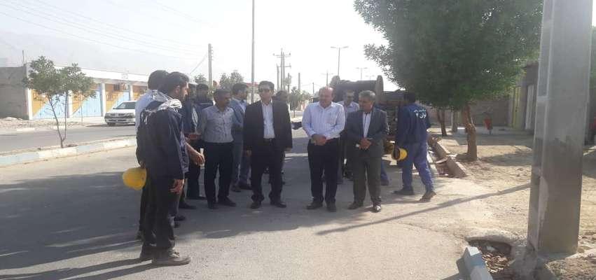 مدیرعامل شركت توزیع نیروی برق استان بوشهر از پروژه های صنعت برق در تنگستان بازدید كرد