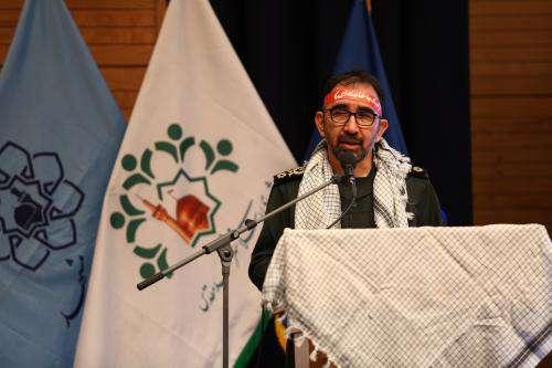 شهردار جوان مشهد در انجام کار روحیه بسیجی دارد