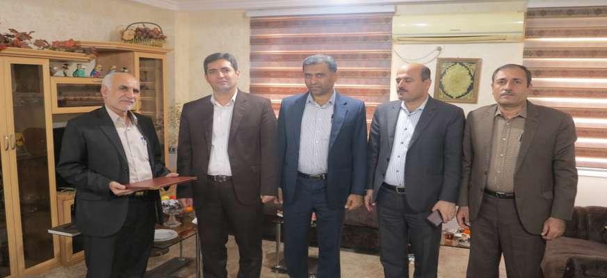 مدیرعامل شركت توزیع نیروی برق استان بوشهر با ایثارگران این شركت دیدار كرد