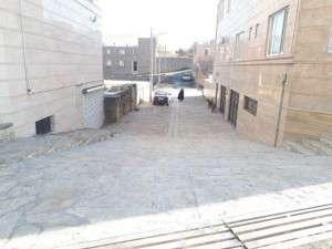 اتمام عملیات سنگ فرش کوچه ابتدای خیابان شاهزاده احمد توسط شهرداری تفرش