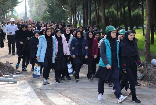 بازدید 122 تن از دانش آموزان مدرسه تیزهوشان استان از تصفیه خانه بزرگ آب گیلان