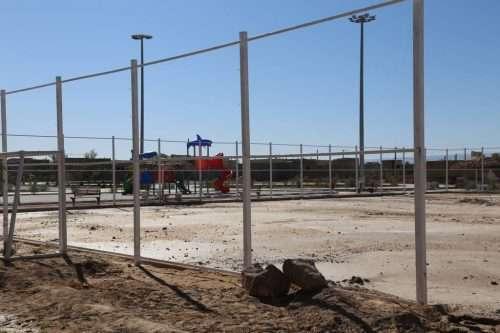 روایت تلاش : گزارش تصویری از زیرسازی زمین ورزشی پا...