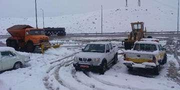 برف و باران درجادههای ۱۳ استان/ خودروها به زنجیرچرخ مجهز باشند