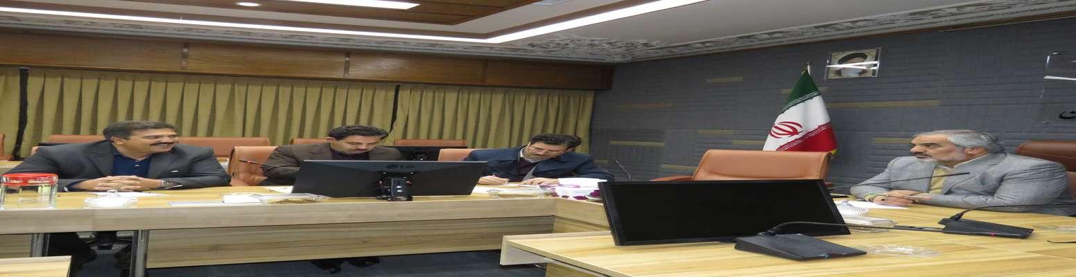 نشست استاندار و هیات همراه با شورای شهر و شهردارسنندج