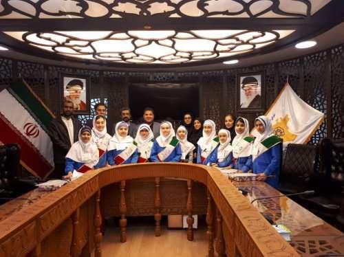 حضور شورای دانش آموزی دبستان هاجر در کمیسیون خدمات شهری شورای اسلامی شهر
