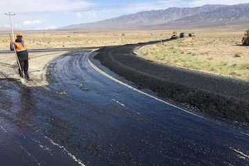 بازسازی و بهسازی ۳۶ کیلومتر راه روستایی شهرستان خاش