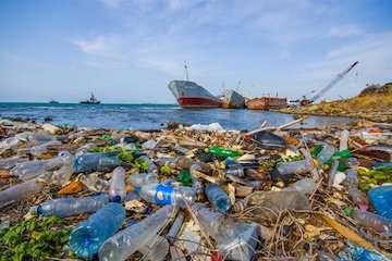 آغاز اجرای پروژه کاهش ریزش زبالههای پلاستیکی به دریا