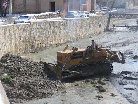 آغاز لایروبی و پاکسازی رودخانه اصلی شهر خوانسار