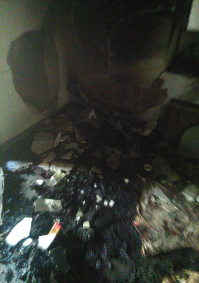 آتش نشانان زرندی جان شهروندی گرفتار در دل آتش را نجات دادند