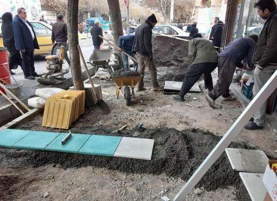 شروع عملیات احداث و بازسازی بخشی از پیاده روهای مرکز شهر بناب