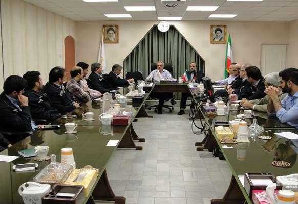 نشست مدیریت با کارکنان نیروگاه قم برگزار گردید