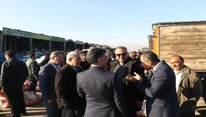 بازدید کمیسیون سلامت، محیط زیست و خدمات شهری از وضعیت عرضه میوه و ترهبار؛ حال میدان شیراز خوب نیست
