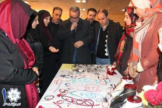 برپایی نمایشگاه ویژه شب یلدا در بوستان بانوان شمس تبریزی