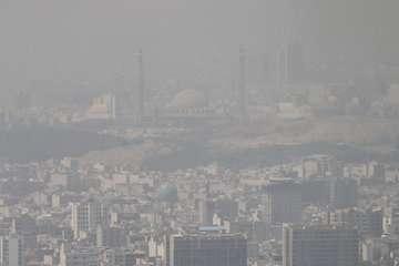 تهران در دود/ آلودگی هوا ادامه دارد / مدارس استان بار دیگر تعطیل شد