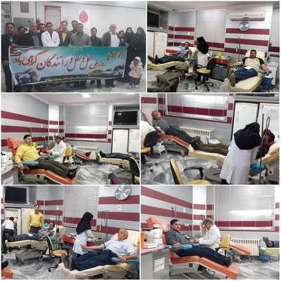 اهدا خون تاکسی رانان گناباد به مناسبت روز حمل و نقل