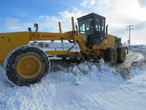 عملیات برف روبی و نمک پاشی معابر خوانسار