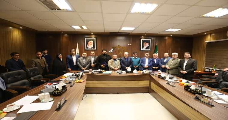 تجلیل اعضای شورای اسلامی شهر رشت از  سه راننده تاکسی، مینیبوس و اتوبوس شهر رشت