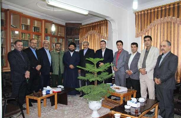 اعضای شورای شهر وشهردار لاهیجان با حجت الاسلام والمسلمین سلیمانی امام جمعه جدید لاهیجان دیدار کردند