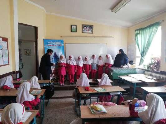 برگزاری جشنواره يادگيری نخستين واژه آب در مدرسه دخترانه حاج لطفی اروميه