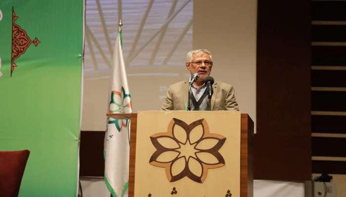 رئیس شورای شهرشیراز در مراسم تجلیل ازکارکنان شهرداری: وضعیت نیروهای شرکتی یکبار برای همیشه روشن شود