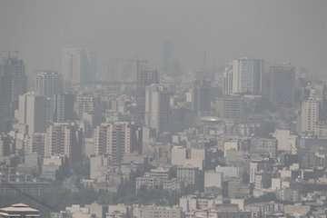 تهران نیاز فوری به نصب ایستگاه های سنجش گاز و آب های زیرزمینی دارد/ احتمال منشا شیمیایی بوی نامطبوع تهران