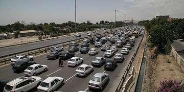 ترافیک سنگین در آزادراه قزوین-کرج/انسداد ۱۱ جاده به دلیل نبود ایمنی