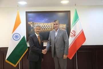 چابهار فعالتر میشود/ توسعه همکاری ترانزیتی ایران و هند با محوریت چابهار/ فعالیت بندر چابهار سه برابر شده است