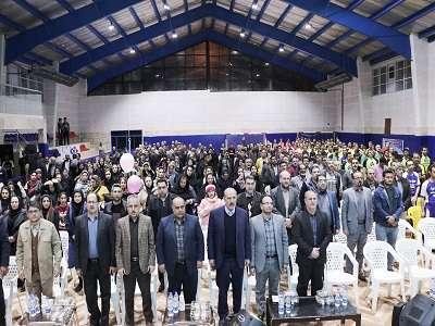مراسم افتتاحیه جام فوتسال تاکسیرانان با حضور مسئولین و مدیران شهری برگزار شد