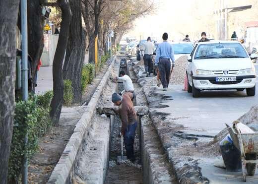 اصلاح و بازسازی کانال آبرو ضلع جنوبی چهارراه فجر تا شریعتی به طول ۴۵۰ متر