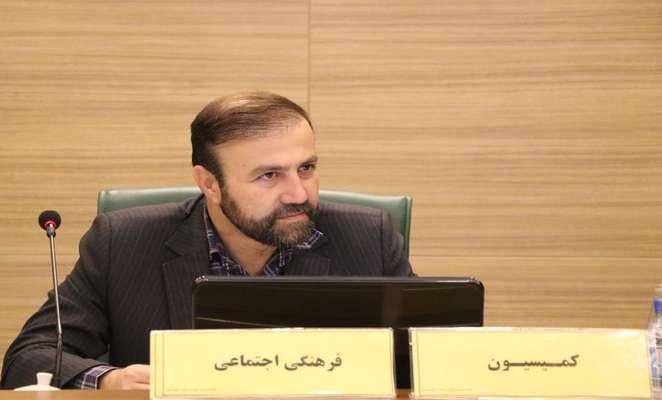 مخالفت صریح رئیس کمیسیون فرهنگی شورای شهر شیراز با تغییر کاربری آرامستان دارالسلام به قطب گردشگری