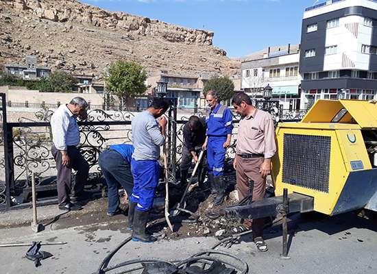 رفع حادثه در خط انتقال آب شرب لوله مادر و آهنی شهر ماکو