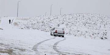برف و باران در جادههای ۷ استان/ تردد در جادههای کوهستانی با زنجیرچرخ