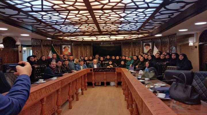 بانوان سرویس های مدارس گرگان در شورای شهر گردم هم آمدند