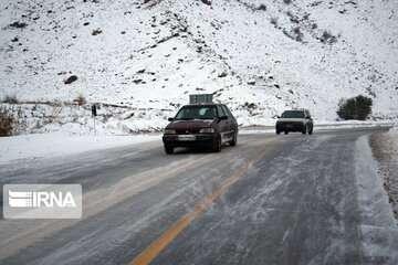 تداوم بارش برف و باران در جادههای ۱۴ استان کشور