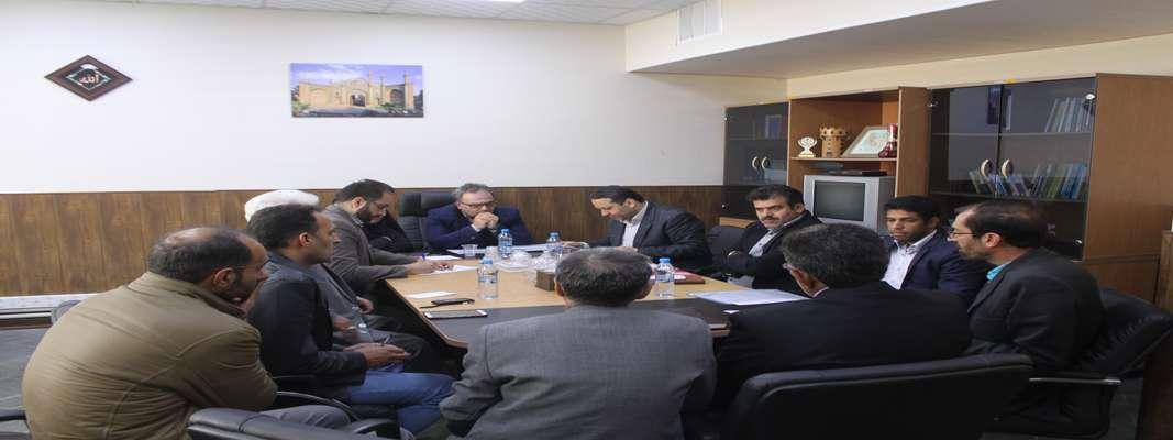 جلسه بررسی مشکلات روستای مؤمن آباد شهرستان سرخه