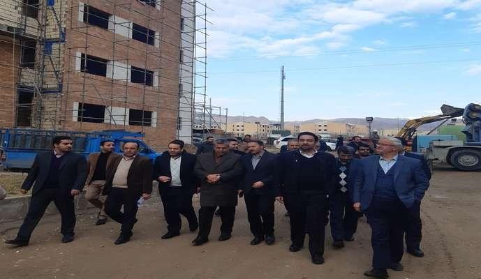 بازدید معاون مسکن شهری بنیاد مسکن انقلاب اسلامی از اجرای پروژه های مسکن شهری