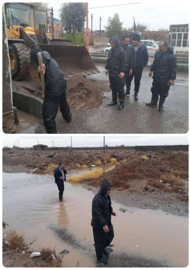 بازدید شهردار و مدیران شهرداری از محله های حاشیه شهر و مناطق آبگرفتگی