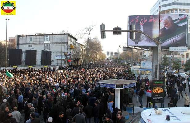 اجتماع عظیم و پرشور مردم آمل در گرامیداشت شهادت سپهبد حاج قاسم سلیمانی