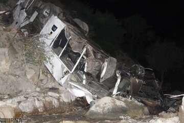 نقص فنی ترمز عامل اصلی واژگونی اتوبوس در جاده فیروزکوه اعلام شد