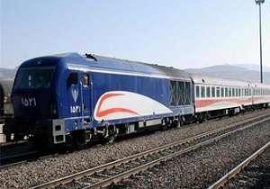 دیزل لوکوموتیو از ریل خارج شده است/ مشکل قطار مسافر بری به زودی برطرف میشود