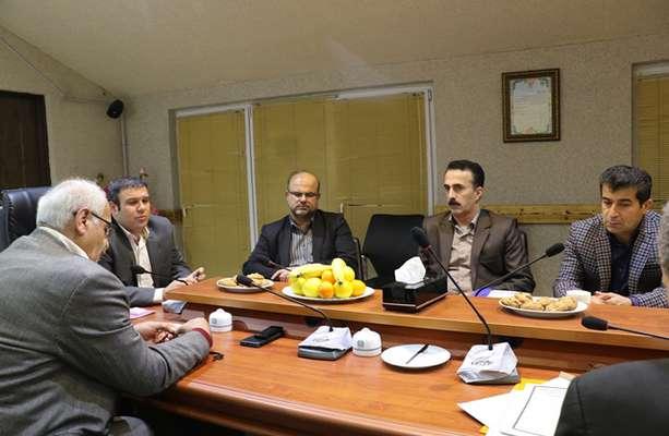 جلسه شورای عالی سرمایه گذاری شهرداری لاهیجان با حضور رییس ، اعضای شورای اسلامی شهر ، شهردار و اعضای این شورا برگزار شد