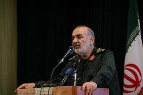 تاکید سردار سلامی بر مسئولیت نداشتن سپاه برای توقف پروازهای مسافربری