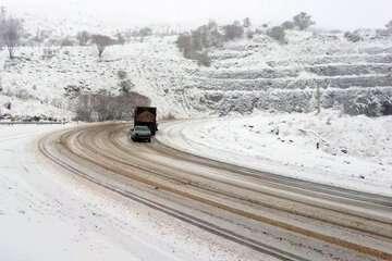 تداوم بارش برف و باران در جادههای ۹ استان کشور