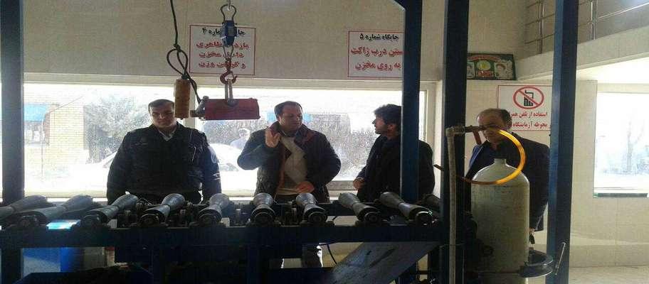 معاینه فنی رایگان خودروها در تاکستان به مناسبت ۲۹ دیماه روز ملی هوای پاک