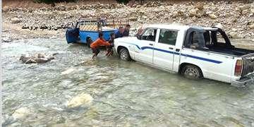 انسداد ۲۷ جاده به دلیل سیلاب و نبود ایمنی/هراز امشب مسدود میشود