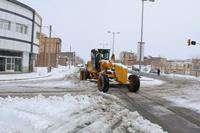 فعالیت بی وقفه ستاد مدیریت بحران شهرداری بجستان در پی بارش برف در سطح شهر بجستان