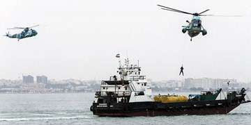 مانور امداد و نجات دریایی در خزر/سنجش سرعتعمل شناور و بالگردهای ناجی